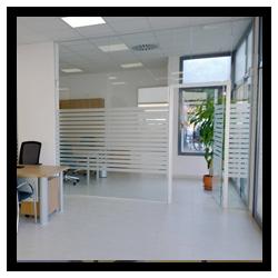 Cerramientos de cristal para oficinas en Mallorca